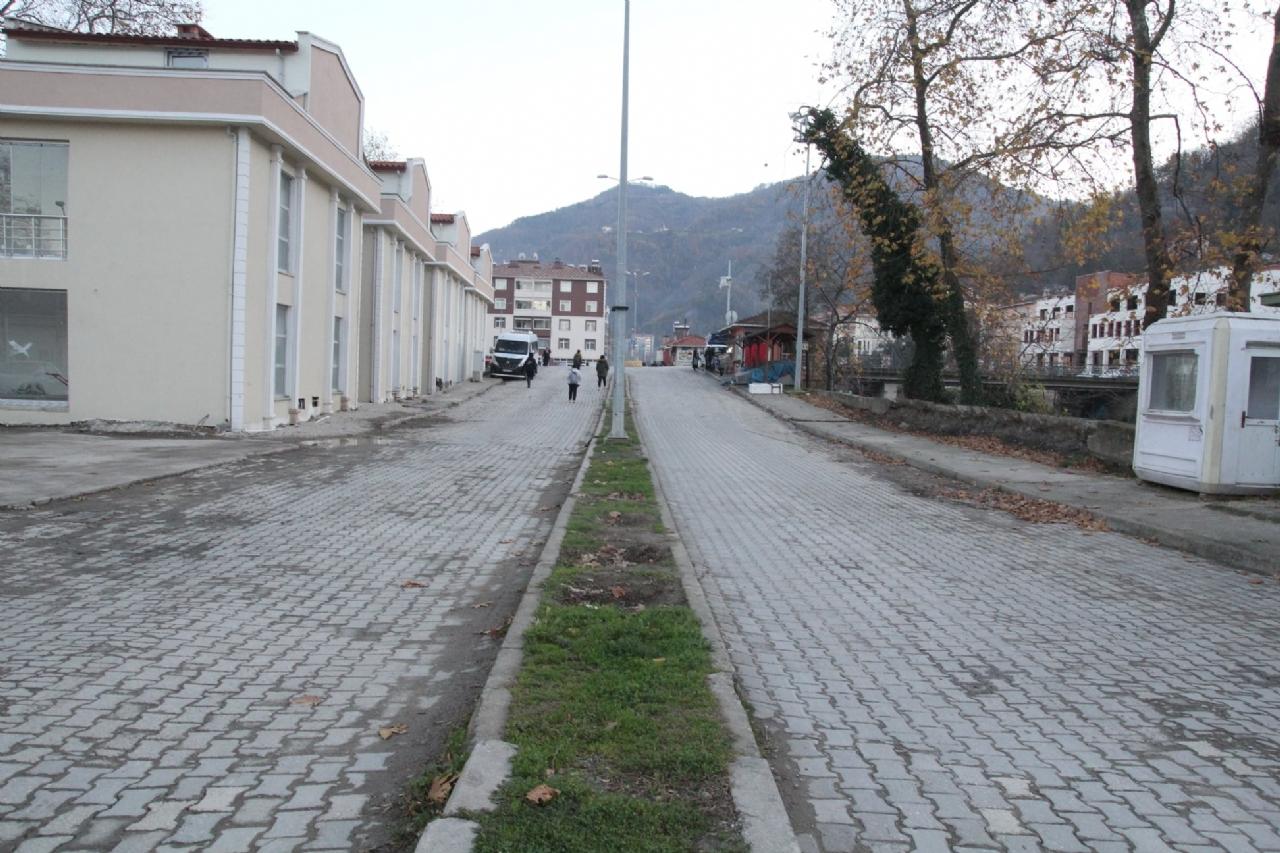 Sakarya Caddesi Yeni Yüzüne Kavuştu