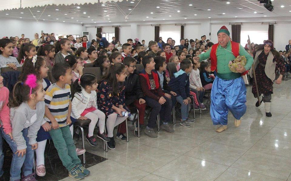 Aratatilde Çocuklarımıza Tiyatro Gösterisi