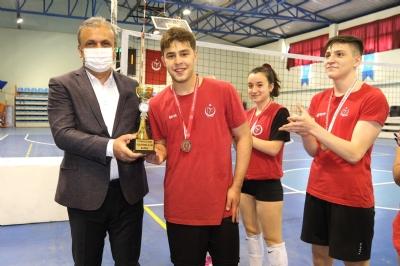 19 Mayıs Gençlik ve Spor Bayramını Törenlerle Kutluyoruz